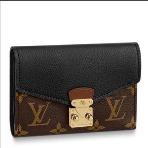 Authentic LOUIS VUITTON Monogram Wallet M67479